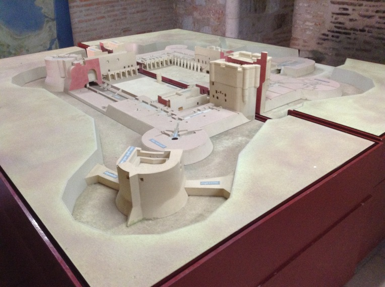 Model showing the sunken fort.