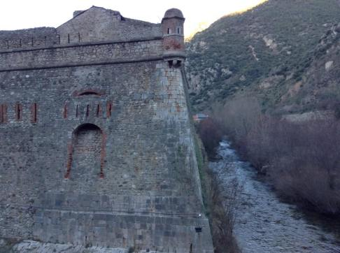 Villefranche-de-Conflent battlement along the Cady river