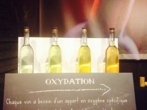 How oxidation changes the color of wine